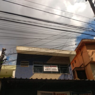 Prédio Comercial próximo a Av. Luiz Dumont Villares